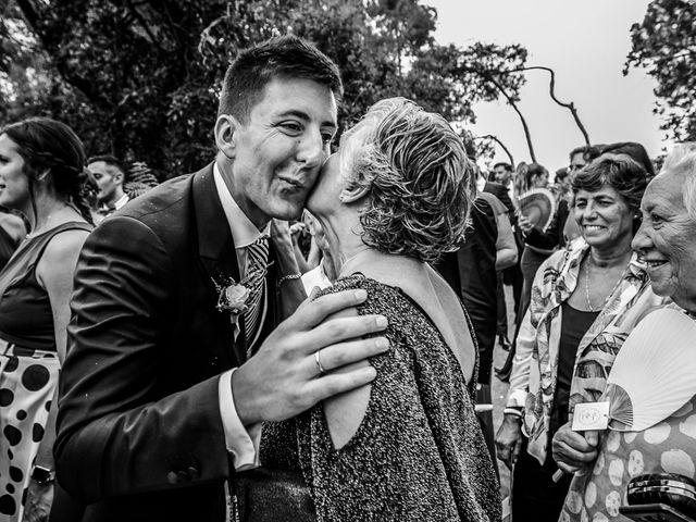 La boda de Maria y Hugo en Vilanova I La Geltru, Barcelona 36