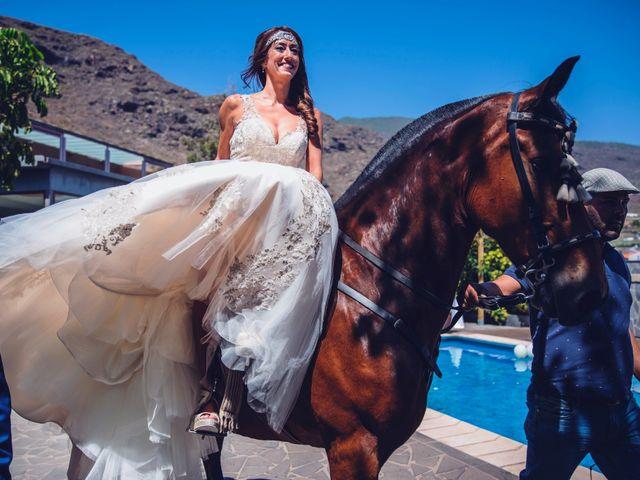 La boda de Jonnhy y Yurena en Candelaria, Santa Cruz de Tenerife 40