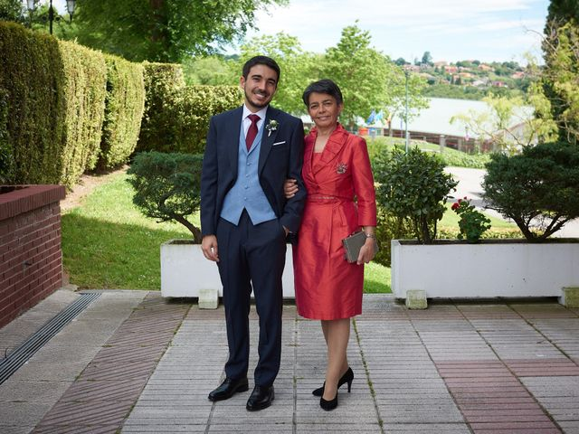 La boda de Lucas y Lucía en Oviedo, Asturias 22