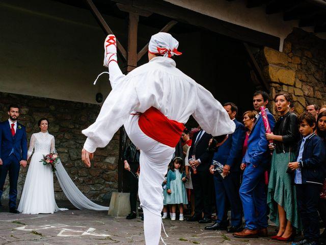 La boda de Ander y Nagore en Donostia-San Sebastián, Guipúzcoa 33