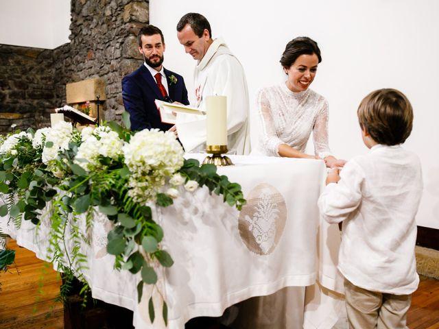 La boda de Ander y Nagore en Donostia-San Sebastián, Guipúzcoa 52