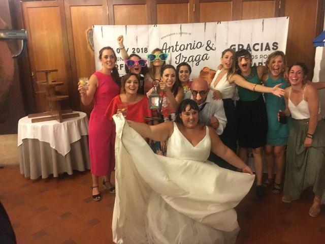 La boda de Antonio y Izaga en Hondarribia, Guipúzcoa 4