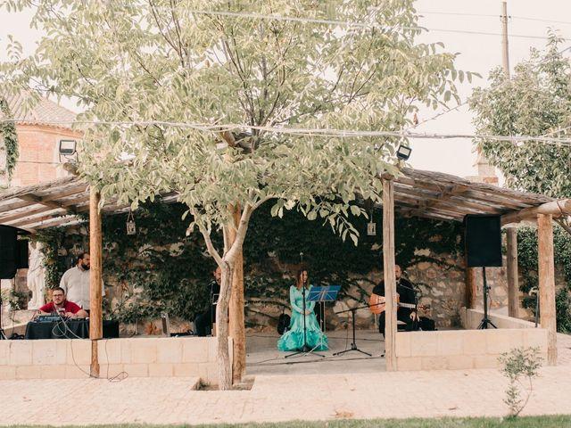 La boda de Laura y Erika en La Cañada De Calatrava, Ciudad Real 90