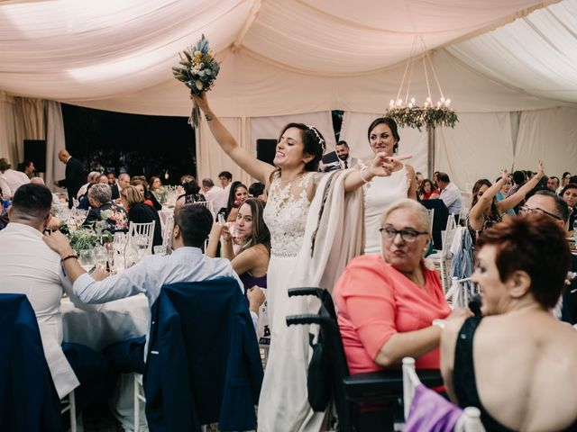 La boda de Laura y Erika en La Cañada De Calatrava, Ciudad Real 175