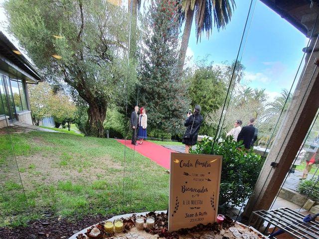 La boda de Jose y Ruth en Pontevedra, Pontevedra 12