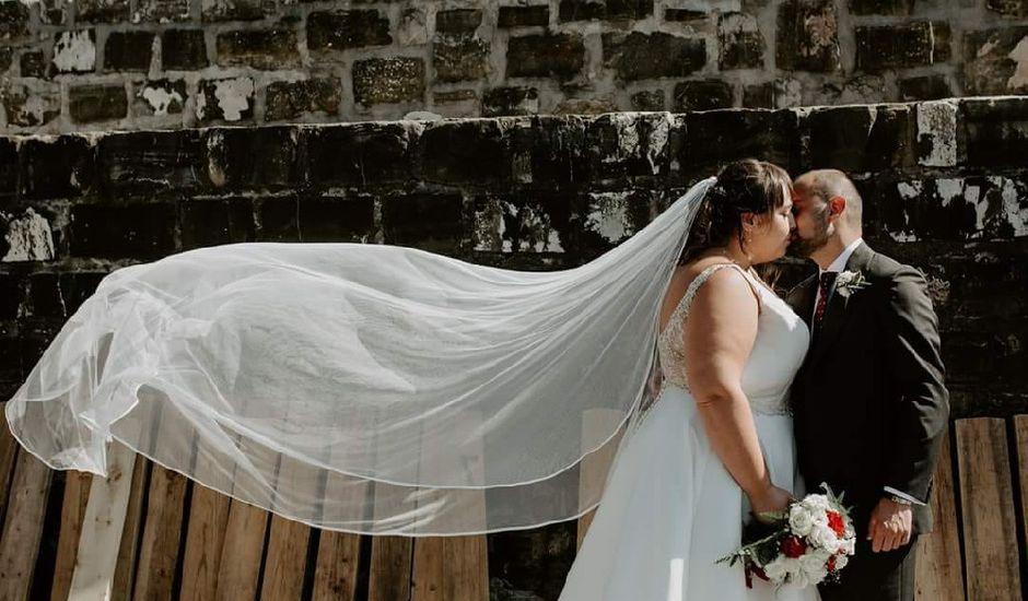 La boda de Antonio y Izaga en Hondarribia, Guipúzcoa