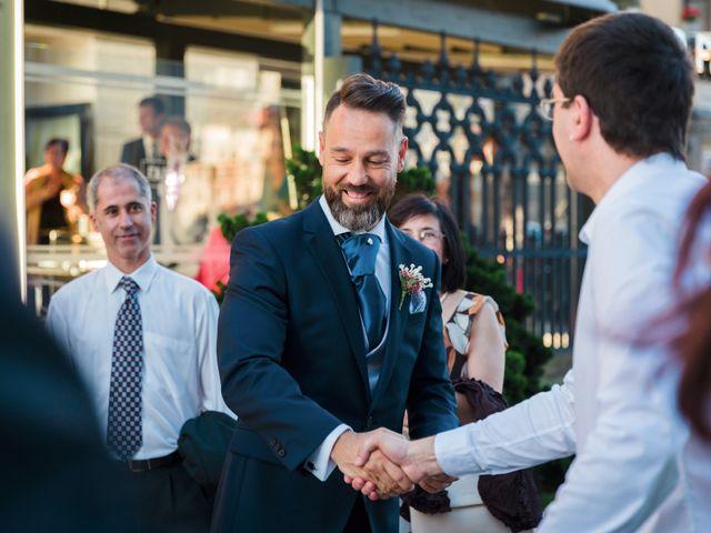 La boda de Oscar y Maite en Bilbao, Vizcaya 21