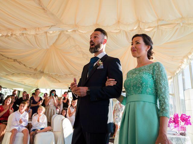 La boda de Oscar y Maite en Bilbao, Vizcaya 26