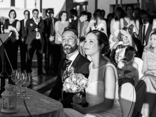 La boda de Oscar y Maite en Bilbao, Vizcaya 27