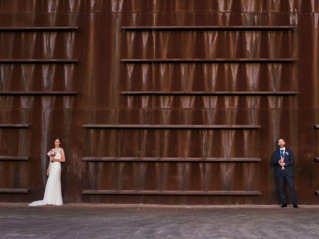 La boda de Oscar y Maite en Bilbao, Vizcaya 41