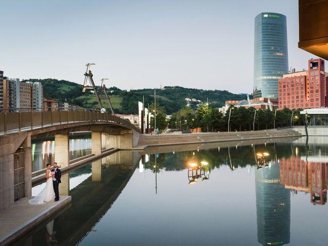 La boda de Oscar y Maite en Bilbao, Vizcaya 44