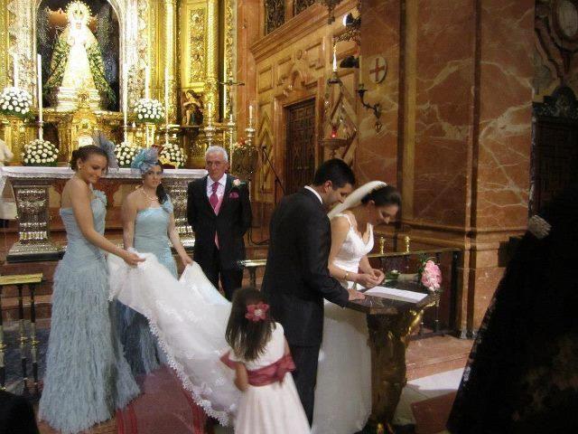 La boda de Mercedes y Toni en Sevilla, Sevilla 3