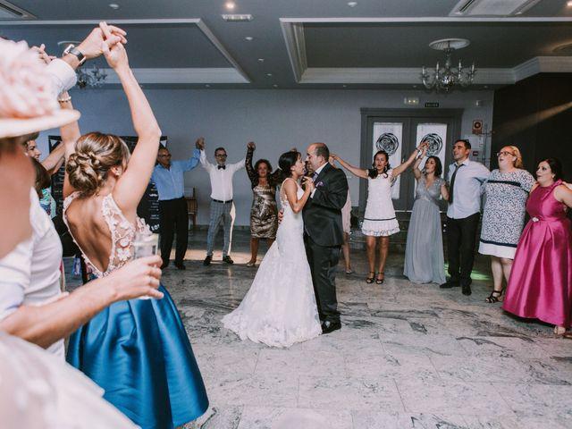 La boda de Miguel y Ana en Vigo, Pontevedra 42