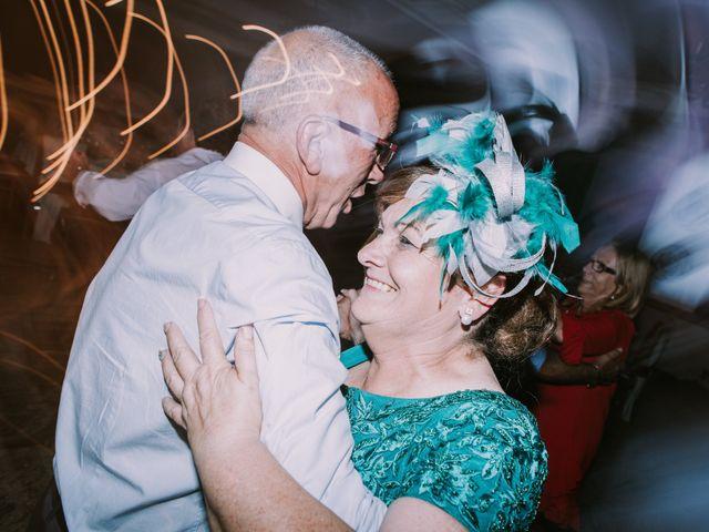 La boda de Miguel y Ana en Vigo, Pontevedra 44