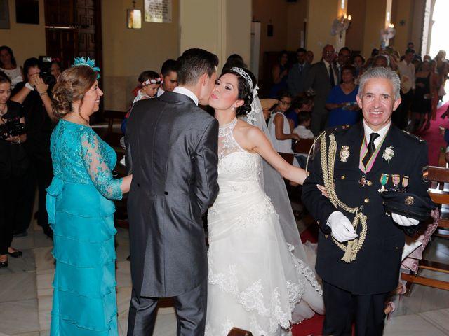 La boda de Gonzalo y Natalia en Alcala De Guadaira, Sevilla 15