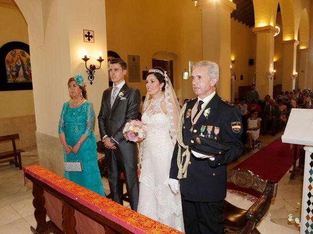 La boda de Gonzalo y Natalia en Alcala De Guadaira, Sevilla 16
