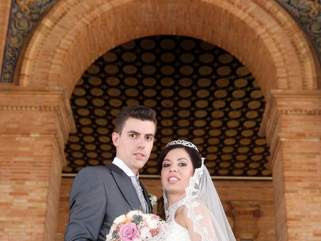 La boda de Gonzalo y Natalia en Alcala De Guadaira, Sevilla 24