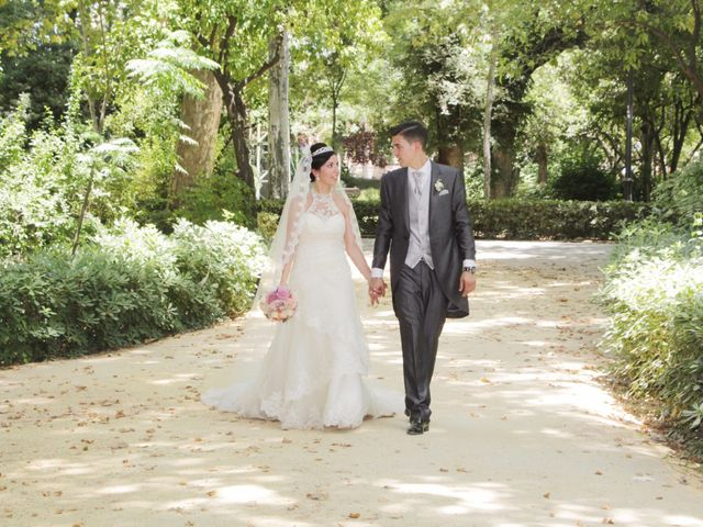 La boda de Gonzalo y Natalia en Alcala De Guadaira, Sevilla 26