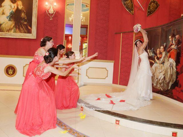 La boda de Gonzalo y Natalia en Alcala De Guadaira, Sevilla 30