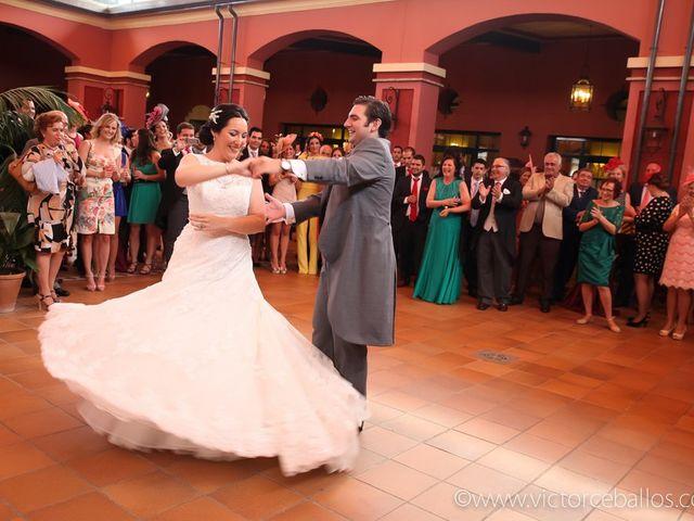 La boda de Esther y Rafael  en Guillena, Sevilla 33