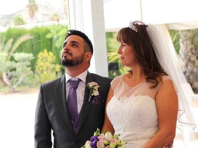 La boda de Carlos y Kay en Petrer, Alicante 7