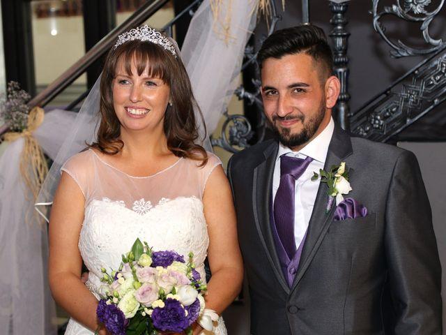 La boda de Carlos y Kay en Petrer, Alicante 11