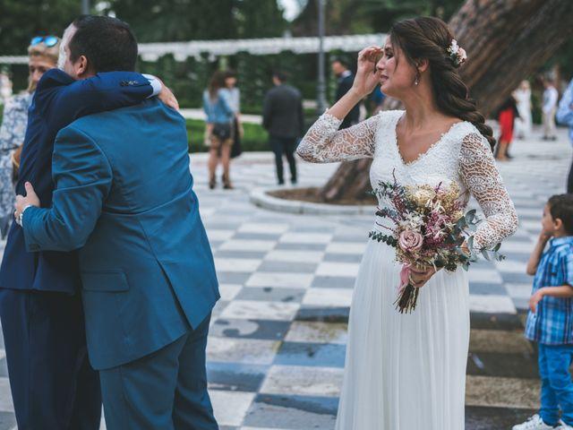 La boda de Javier y Claudia en Madrid, Madrid 5