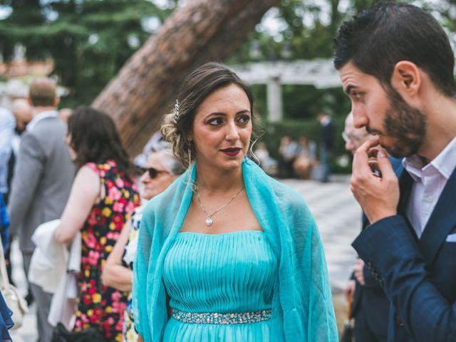 La boda de Javier y Claudia en Madrid, Madrid 15