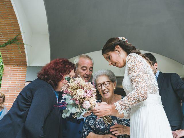 La boda de Javier y Claudia en Madrid, Madrid 17