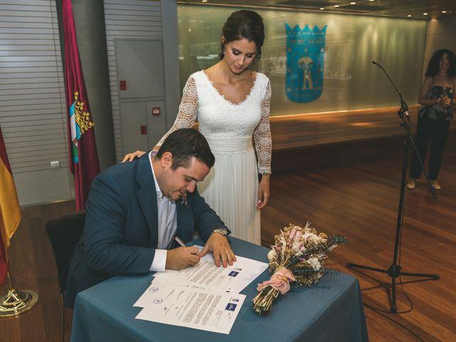 La boda de Javier y Claudia en Madrid, Madrid 29