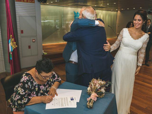 La boda de Javier y Claudia en Madrid, Madrid 31