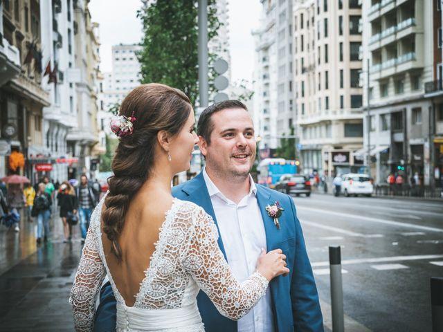 La boda de Javier y Claudia en Madrid, Madrid 103