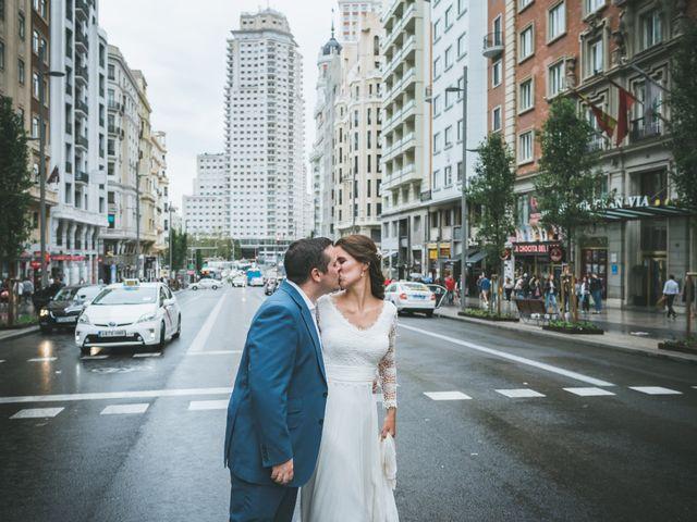 La boda de Javier y Claudia en Madrid, Madrid 104