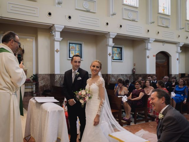 La boda de Víctor y Lorena en Fuenlabrada, Madrid 40
