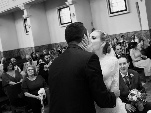 La boda de Víctor y Lorena en Fuenlabrada, Madrid 42