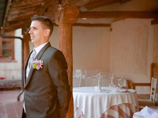 La boda de Miguel y MªJesús en Torrecaballeros, Segovia 21