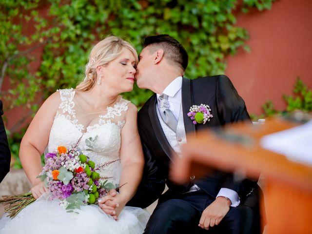 La boda de Miguel y MªJesús en Torrecaballeros, Segovia 25