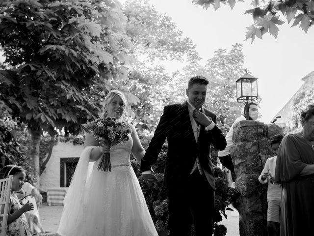 La boda de Miguel y MªJesús en Torrecaballeros, Segovia 34