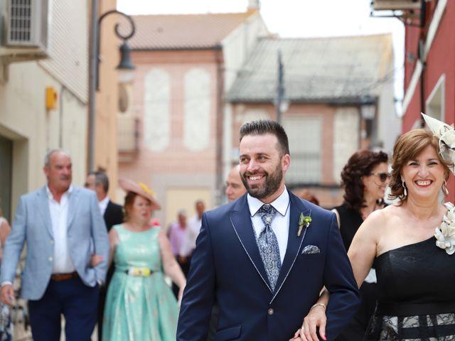 La boda de Rubén y Esmeralda en Pedrajas De San Esteban, Valladolid 48
