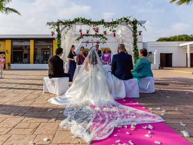 La boda de Manuel y Alba en Moguer, Huelva 17