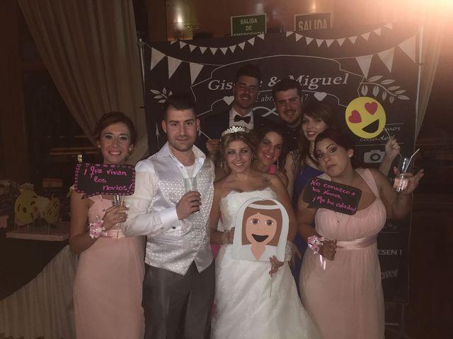 La boda de Miguel Ángel y Giselle en Málaga, Málaga 25