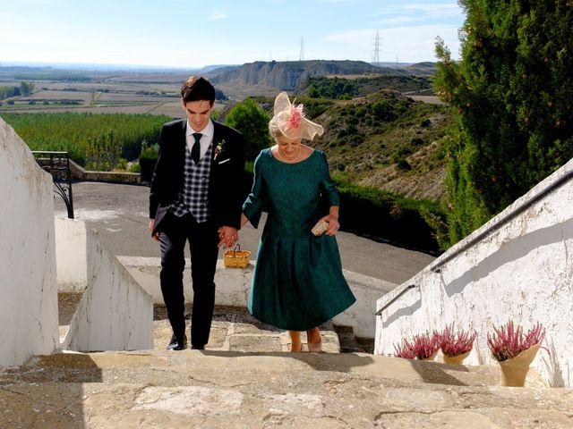 La boda de César y Pilar en Zuera, Zaragoza 25