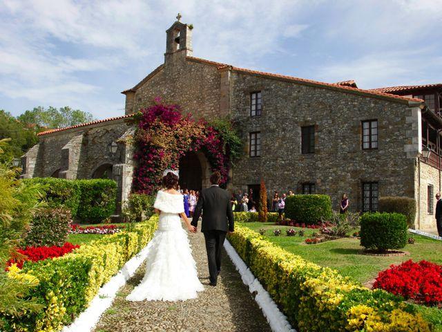 La boda de Jonathan y Noemi en San Vicente De La Barquera, Cantabria 1