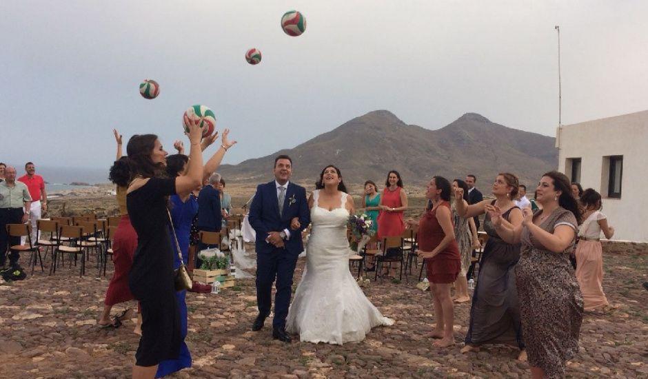 La boda de José Antonio  y Maria Del Mar  en Los Escullos, Almería