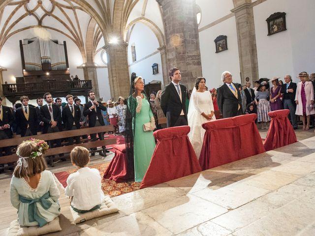 La boda de Javier y Carmen en Comillas, Cantabria 11