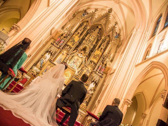 La boda de Antonio y Rebeca en Madrid, Madrid 17