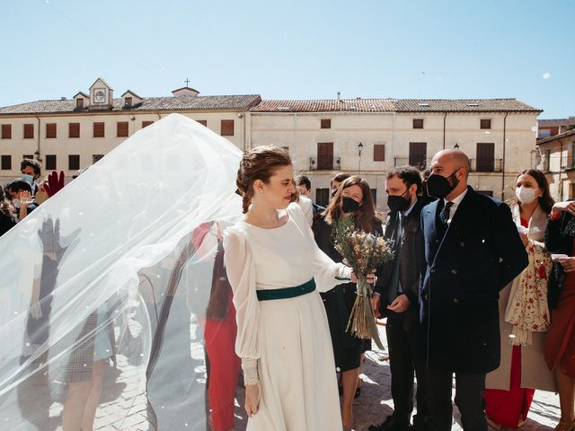 La boda de Miguel y Lili en Torremocha Del Jarama, Madrid 86