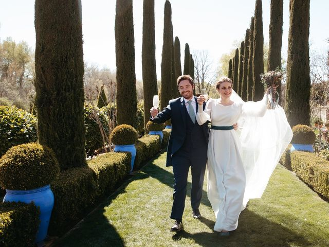 La boda de Miguel y Lili en Torremocha Del Jarama, Madrid 118