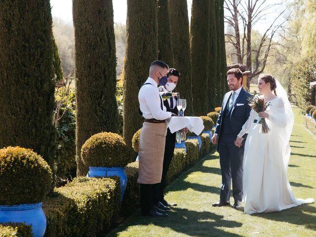 La boda de Miguel y Lili en Torremocha Del Jarama, Madrid 121