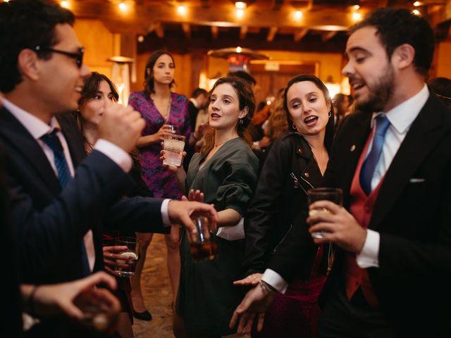La boda de Miguel y Lili en Torremocha Del Jarama, Madrid 200